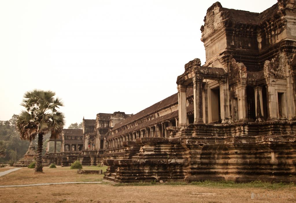 Seitengebäude-Angkor-Wat-bearb1 mit Logo