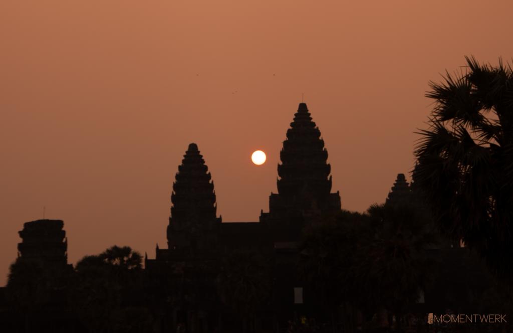 Sunrise-Angkor-Wat-bearb1 mit Logo
